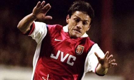 Transfer tales: Nelson Vivas – Arsenal