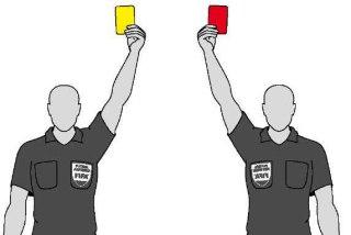Карточка в футболе жест
