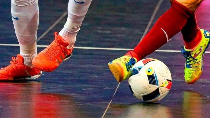 Игра в мини футбол