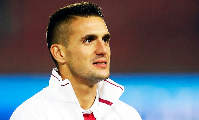 Душан Тадич фото популярного сербского футболиста