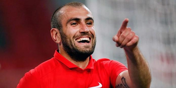 Известный армянский футболист Юра Мовсисян