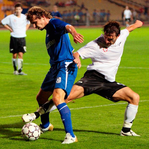 Индивидуальная игра футбольного защитника