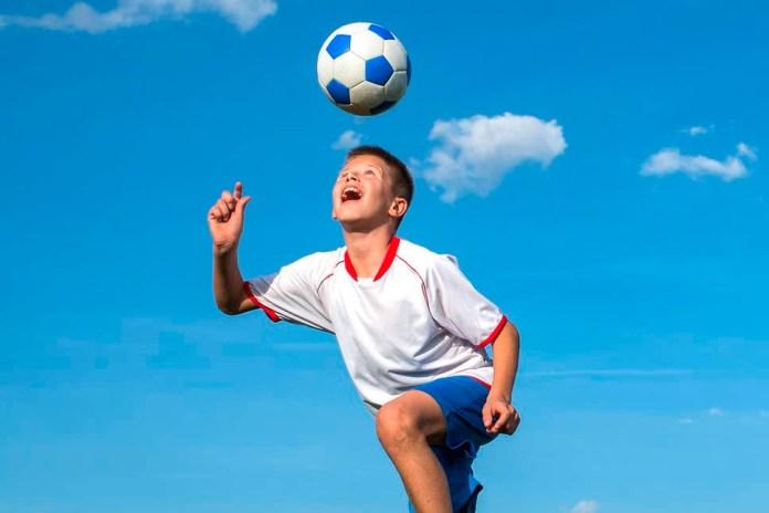 Упражнение для ударов головой по мячу