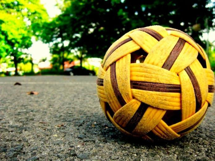 Мяч сепактакрау