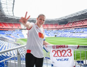 Eugénie Le Sommer a prolongé son contrat avec l'OL jusqu'en 2023