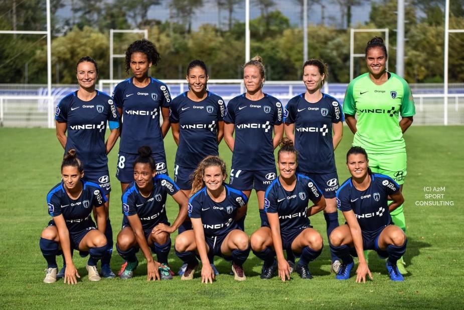 Julie Soyer (au premier rang, troisième en partant de la droite) a signé à Juvisy -devenu Paris FC depuis - en 2012. ©A2MSport Consulting