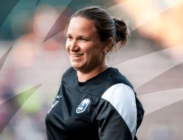 Laura Harvey revient sur le banc d'OL Reign