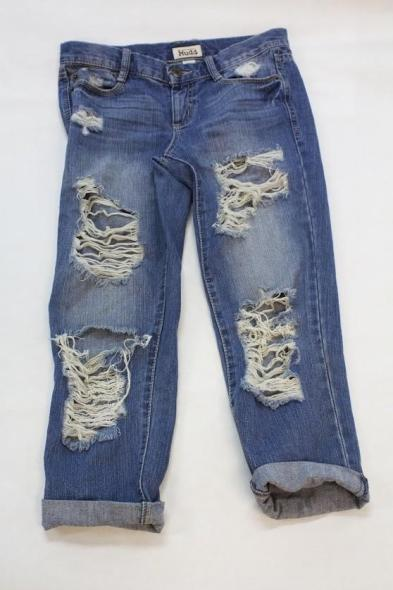 You can create your own boyfriend jeans by buying and cutting jeans from thrift stores. Credit: Sarah Kagan/The Foothill Dragon Press