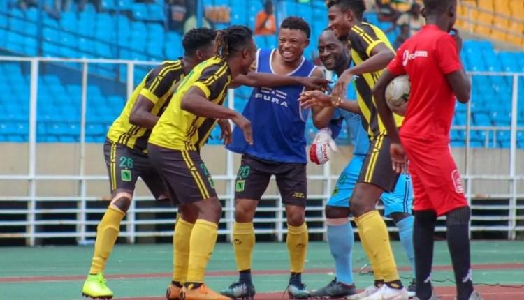 V/L1: Patou Bompunga et Yannick Bangala portent VClub devant Lupopo.