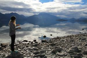 The picturesque Lake Wakatipu – such stillness.!