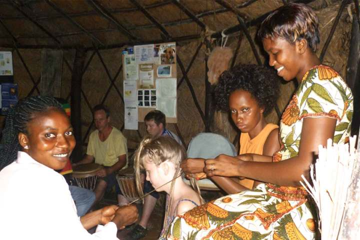 Gambia activities | Beauty & massage | Braiding hair