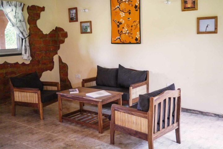 Sunbird House accommodation | interior | sitting area
