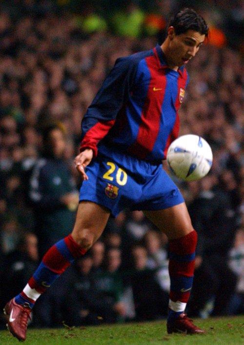 Soccer - UEFA Cup - Fourth Round - First Leg - Celtic v Barcelona