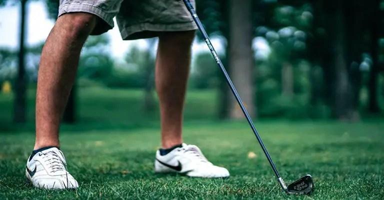 Best Wide Feet Golf Shoes for Golfer