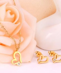 Conjunto cadena con colgante y pendientes Corazón calado con piedra