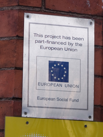 Placa de projetos da União Europeia