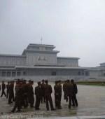 Soldados Mausoléu Pyongyang Coreia do Norte
