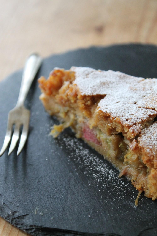 Rhubarb and Amaretto 'Cake'
