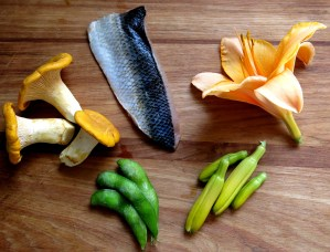cisco with chanterelles, daylillies, endamame, and soy-vinegar sauce recipe
