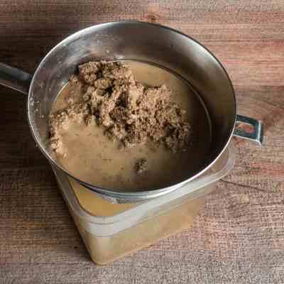 Cold leaching white acorns to make flour