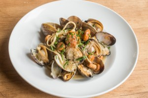 linguine with white clam sauce and chanterelle mushrooms