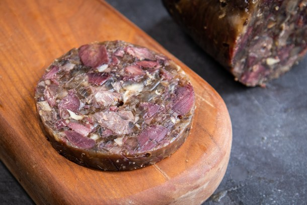 Smoked venison trotter-shank terrine en aspic gelee recipe