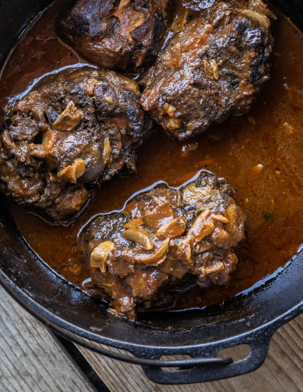 Braised oxtails with bolete mushrooms and tomato