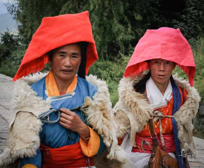 Ladies of Lugu | Foraggio Photographic