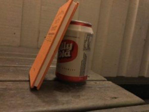 Bok og Jolly Cola