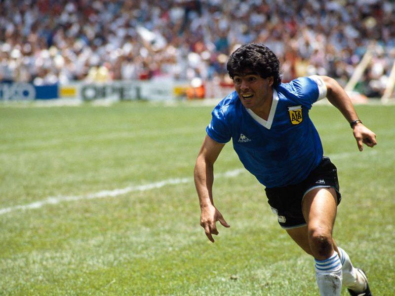Diego Maradona celebrando su segundo gol contra Inglaterra en el mundial de 1986. Foto: Jean-Yves Ruszniewski/Getty Images