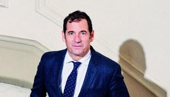 Rubén García posa para Forbes en las oficinas de la calle Almagro de Madrid. Foto: Jacobo Medrano