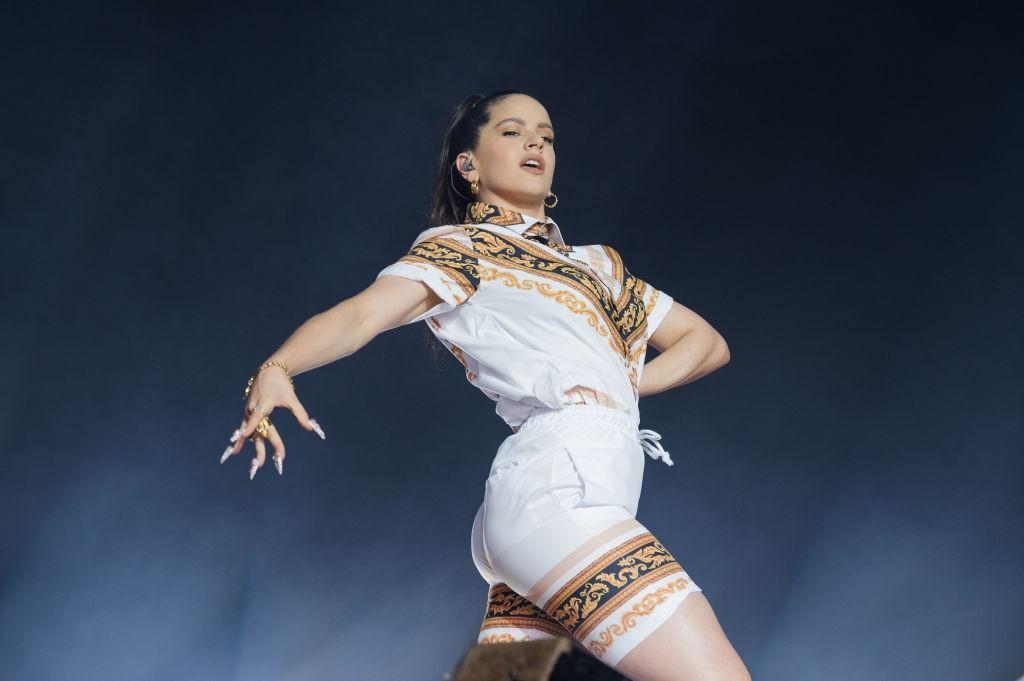 Rosalía durante un concierto. Foto: David Wolff - Patrick. Getty.