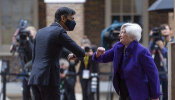 El Canciller de la Hacienda británico, Rishi Sunak, recibe en Londes a la secretaria del Tesoro de EEUU, Janet Yellen. HM Treasury (Flickr)