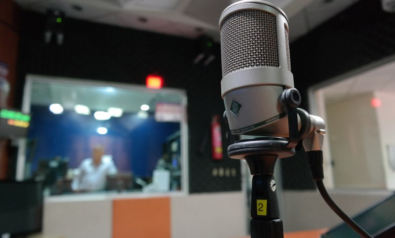 What to Look for in a Microphone: a guide for singers