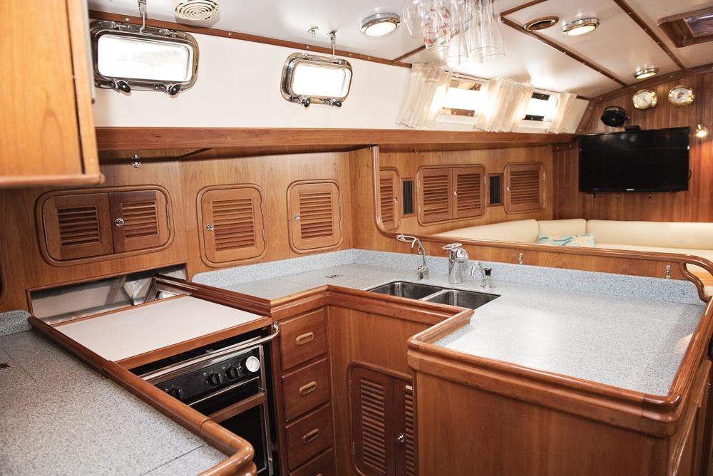 2001 TAYANA 52 Forbes Horton Yachts