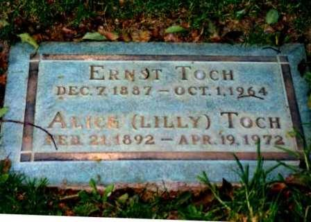 The Graves of Ernst and Lilly Toch in Los Angeles