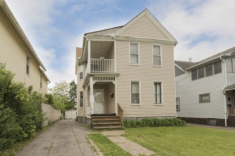 BEAUTIFUL INVESTMENT DUPLEX IN CLEVELAND, OHIO GREAT RENTAL HOME 4