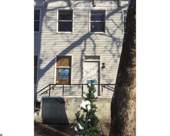 Condo / Townhouse Style Row Single Family Residence New Jersey 1