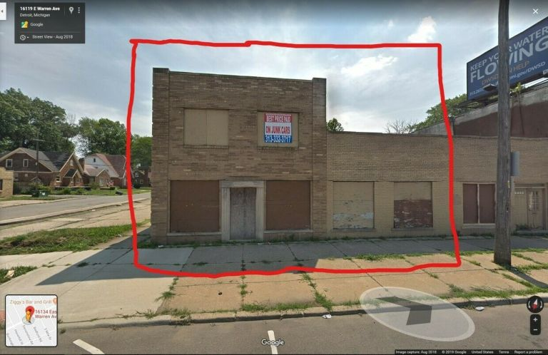 COMMERCIAL BUILDING FOR SALE 7
