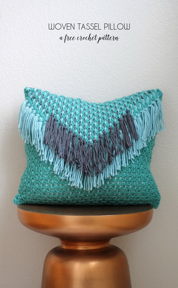 Woven Tassel Pillow, Free Crochet Pattern.