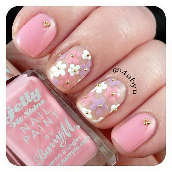Light Pink Nails Daises with Gold Studs.
