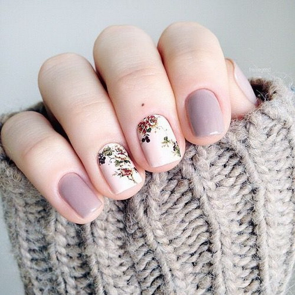 Lavender & White Floral Nails.