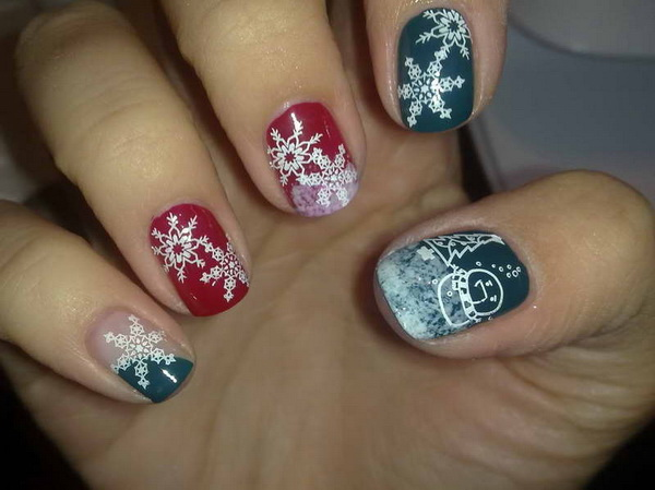 Christmas Nail Art Designs With Snow Flower Motif/Jewell Code - 25 Inspirational Winter Nail Art Ideas - For Creative Juice