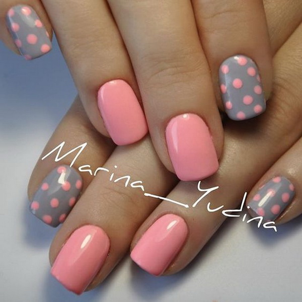 Pink and Gray Dot Nail Art. (via forcreativejuice.com)