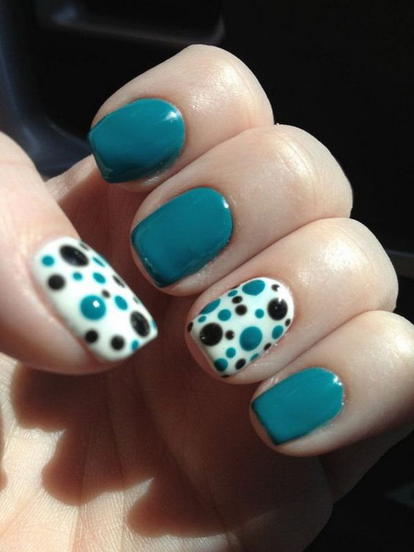Blue and Black Polka Dots Summer Nail. (via forcreativejuice.com)