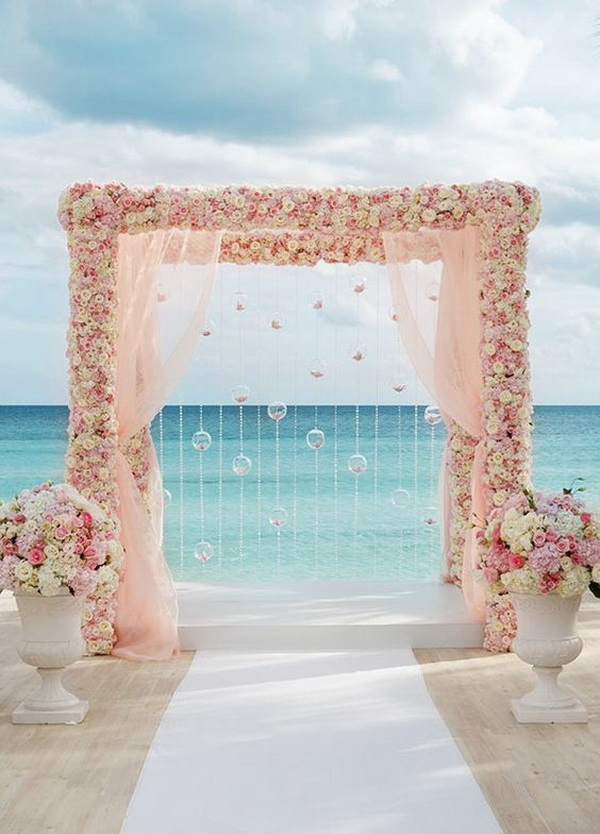 What a beautiful wedding arch decoration idea! Love it!