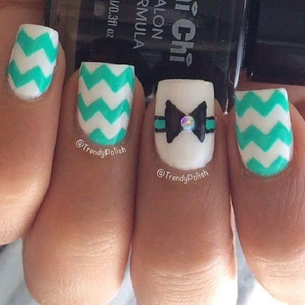 Bow and Chevron Patterned Nail Art Design.