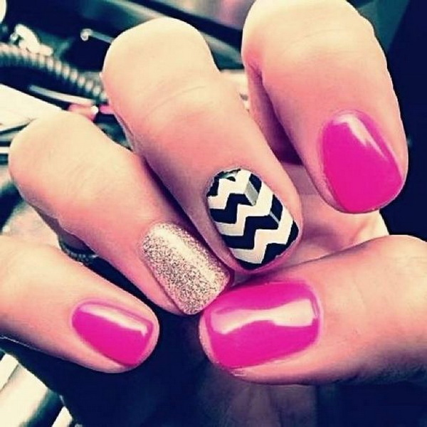 Purple, Black and White Chevron Patterned Nail Art.