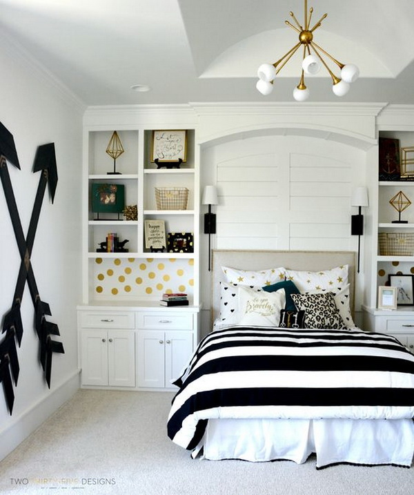 Pottery barn teen girl bedroom with wooden wall arrows. Budget-friendly choice for a chic bedroom decor with this DIY wooden wall arrows. Easy and fun to make at home.
