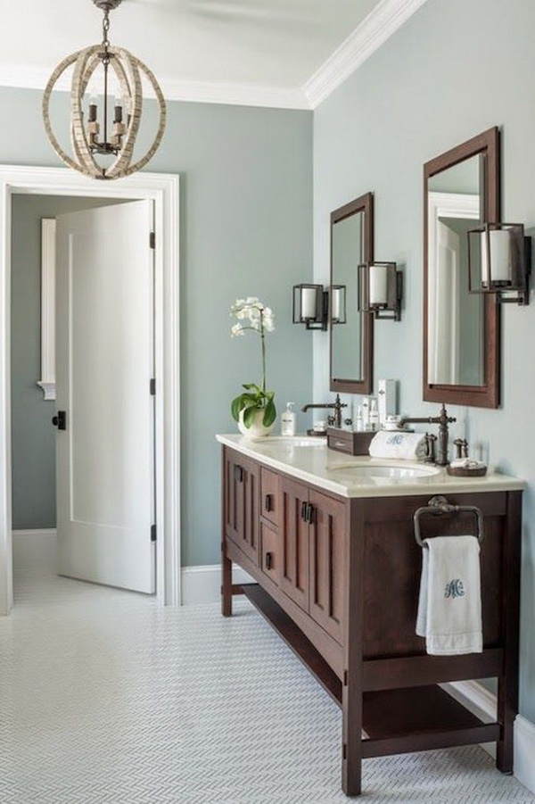 Love the wall paint color (Benjamin Moore Gray Wisp) of this bathoom.